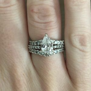 .9 ct center stone pear diamond engagement set!